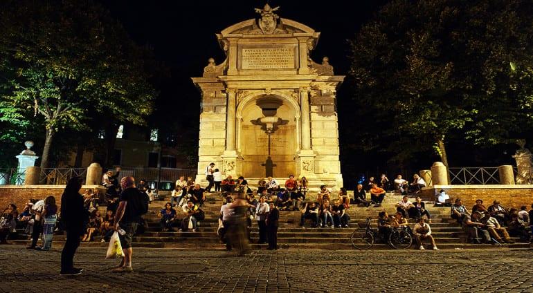 Piazza Trilussa Trastevere
