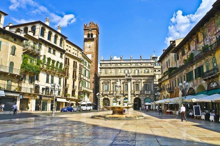 1-piazza-erbe-verona-italy-lynne-otter1