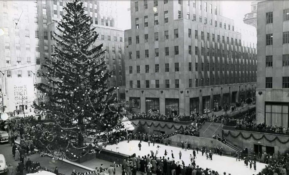 Hotel With View Of Rockefeller Center Christmas Tree
