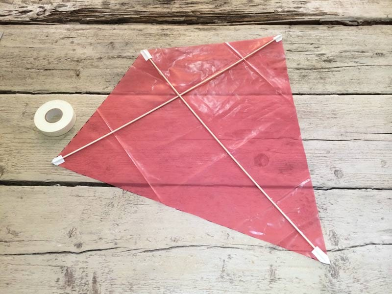 how to make a kite worldation