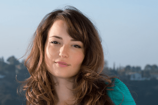 Who Is Lily From At Amp T Also Known As Milana Vayntrub