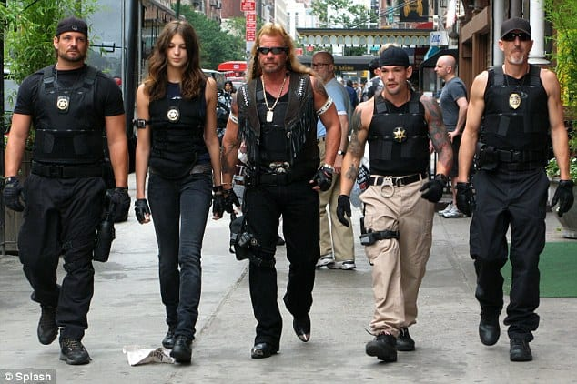 Dog the bounty hunter wife divorce daughter family net for Dog the bounty hunter divorce beth