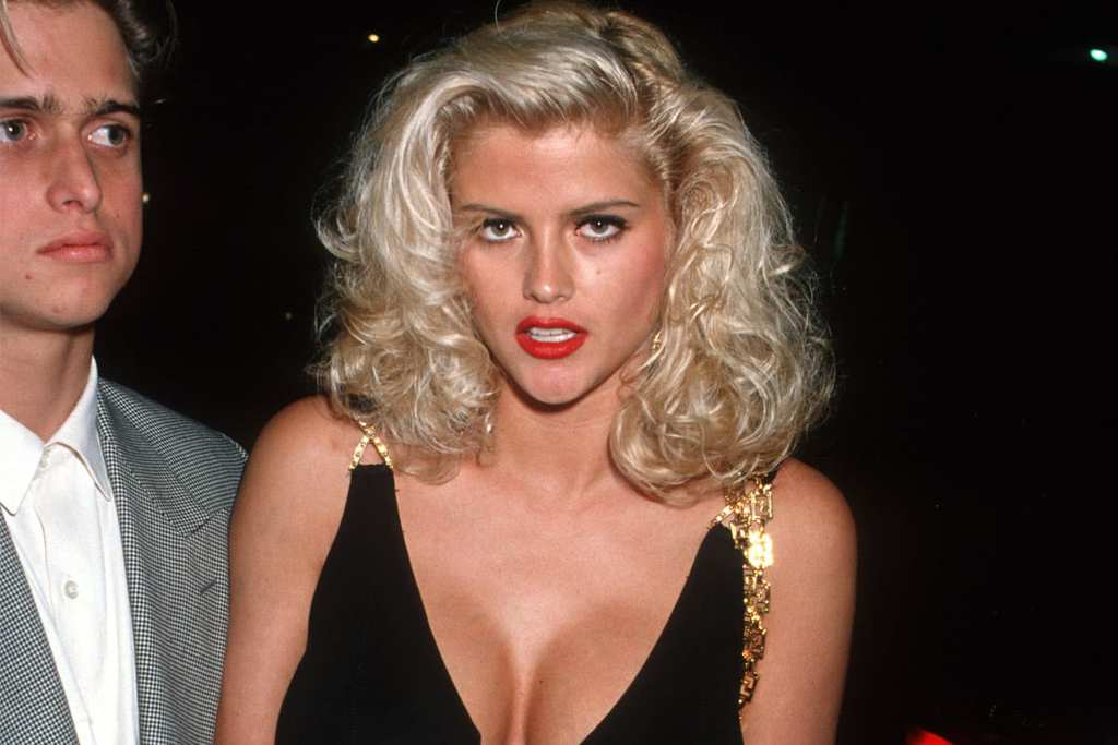 naked anna nicole smith before breast augmentation