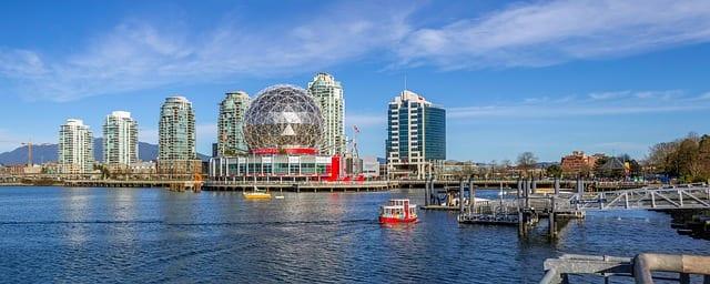vancouver-1620772_640