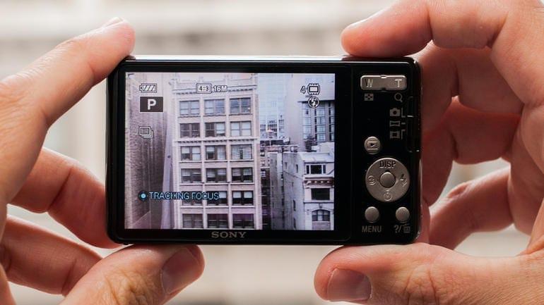 Sony_Cyber-shot_DSC-W690_Silver_35152843_05