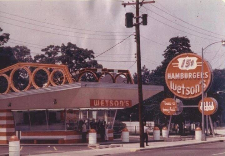 Popular Defunct Restaurant Chains We All Forgot About