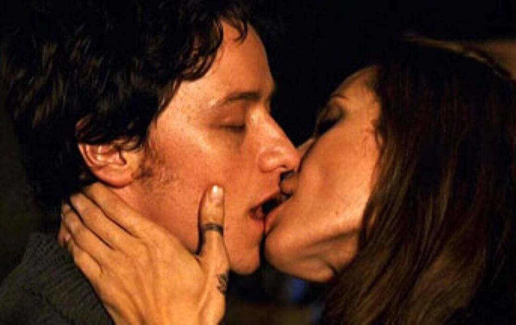 Angelina jolie hot kisses